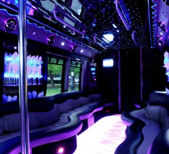 22 people Miami party bus